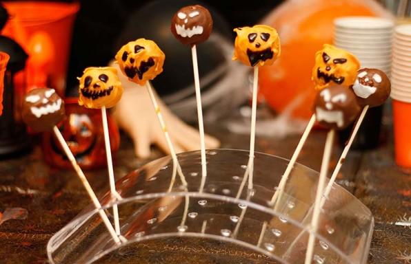 Vegan Halloween Jack-o-lantern Cake Pops